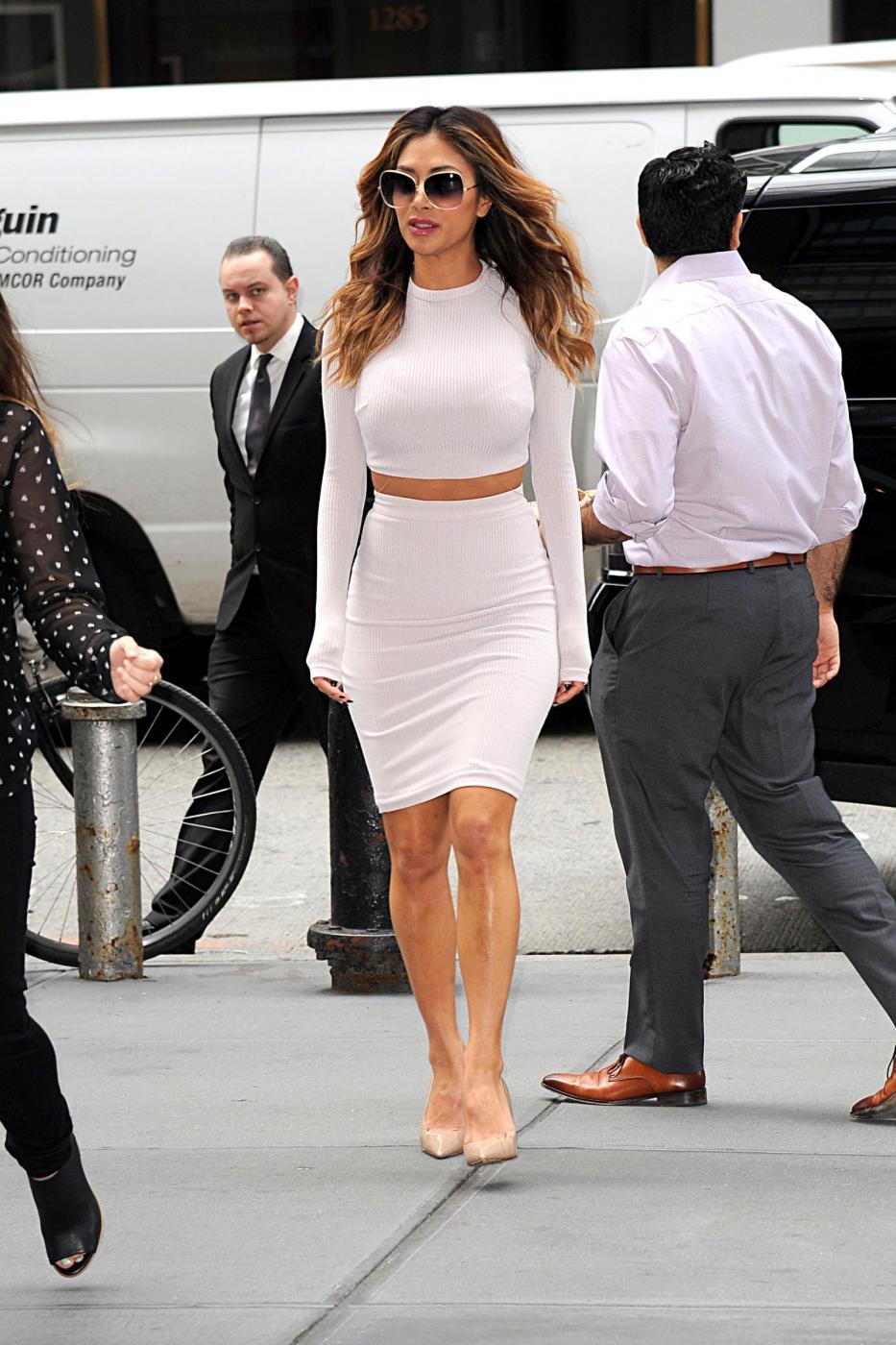 Nicole Scherzinger sempre più curvy e...bionda. Abiti super aderenti a New York FOTO 6