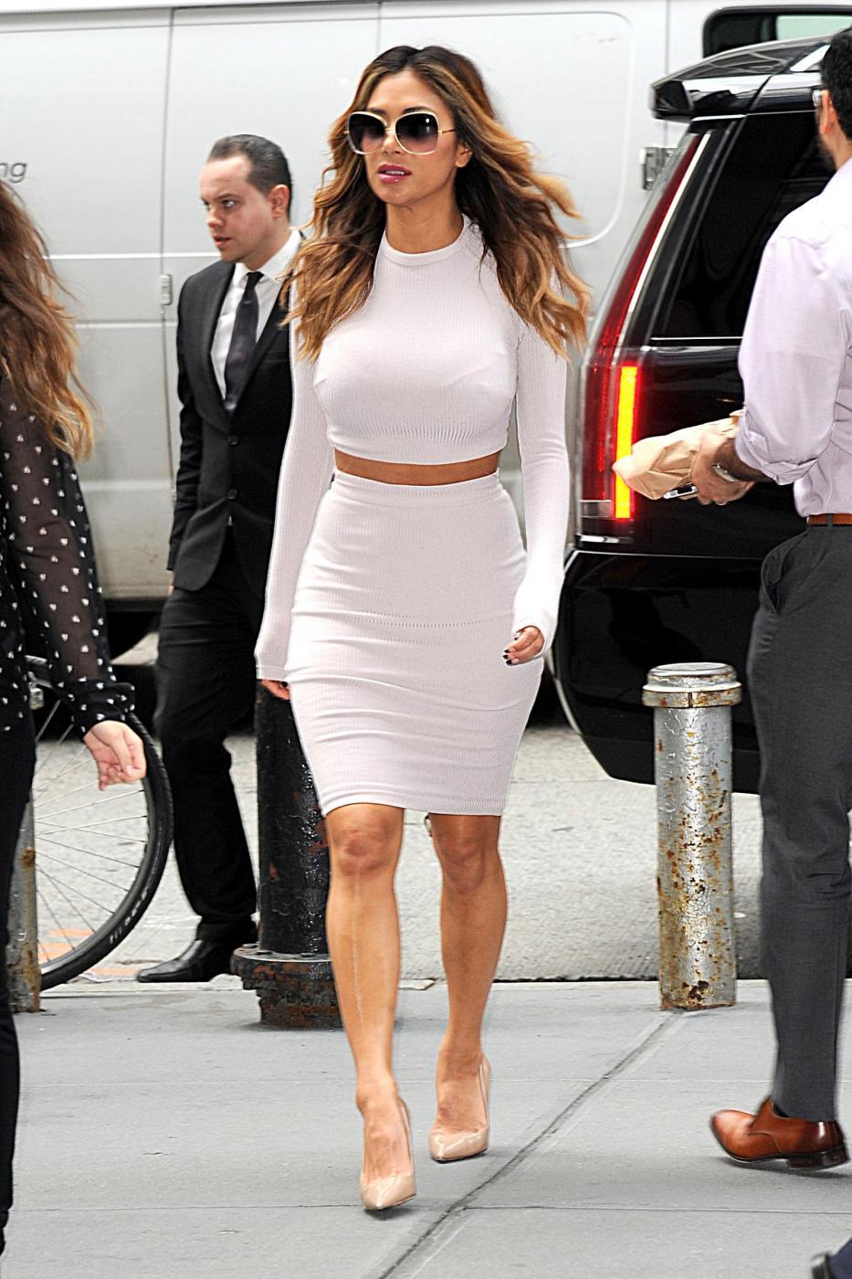 Nicole Scherzinger sempre più curvy e...bionda. Abiti super aderenti a New York FOTO 7