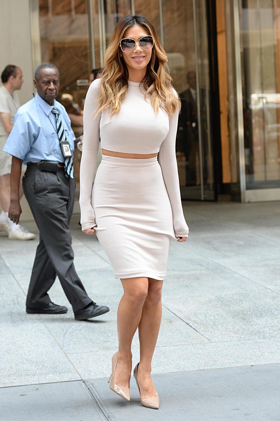 Nicole Scherzinger sempre più curvy e...bionda. Abiti super aderenti a New York FOTO 20