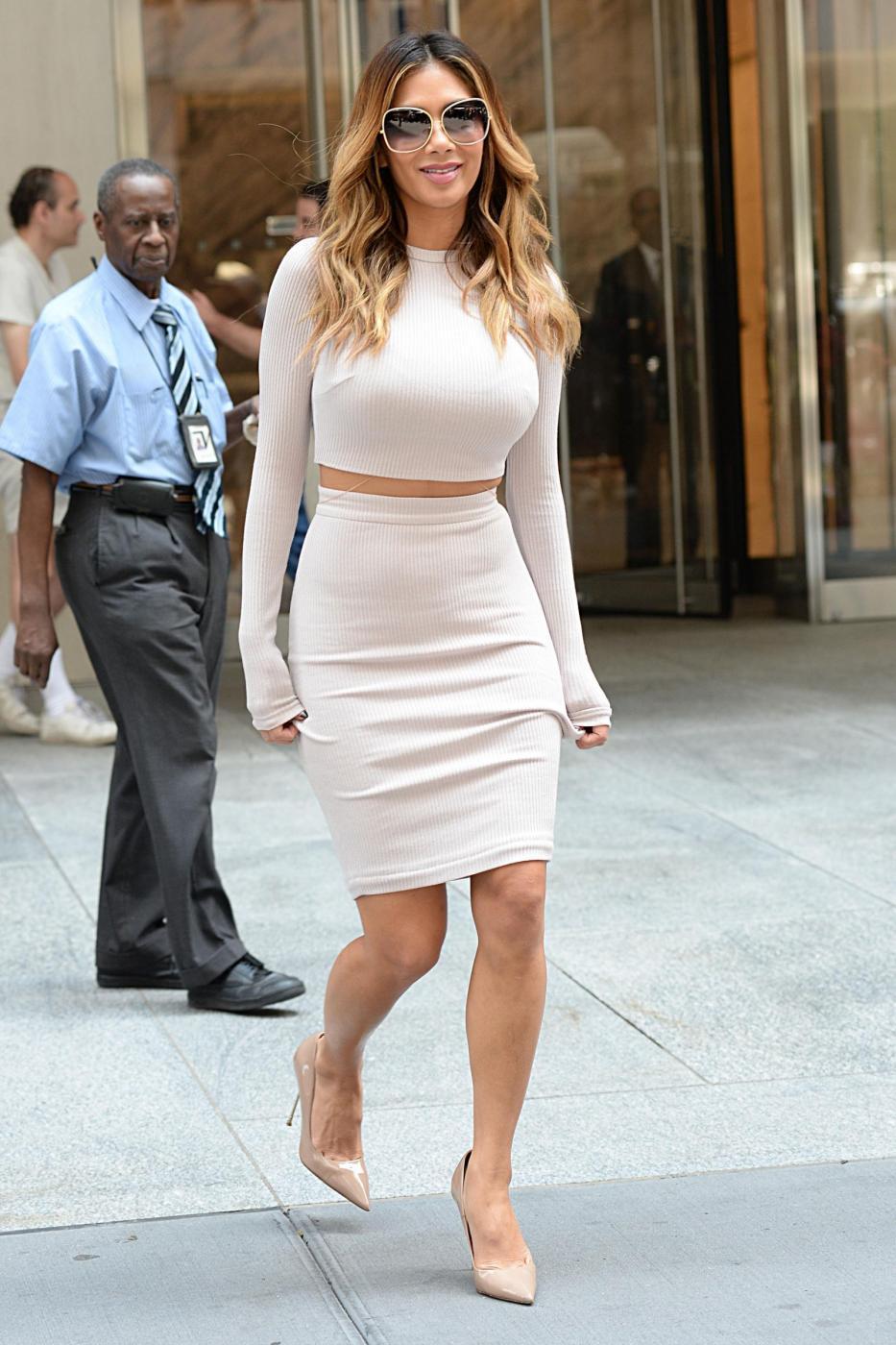 Nicole Scherzinger sempre più curvy e...bionda. Abiti super aderenti a New York FOTO 21