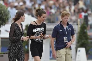 Charlotte Casiraghi versione rocker: indossa maglia dei Ramones a Parigi FOTO 5