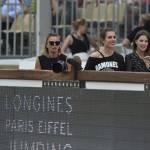 Charlotte Casiraghi versione rocker: indossa maglia dei Ramones a Parigi FOTO 8