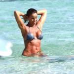 Cristina Parodi in tanga a Formentera FOTO