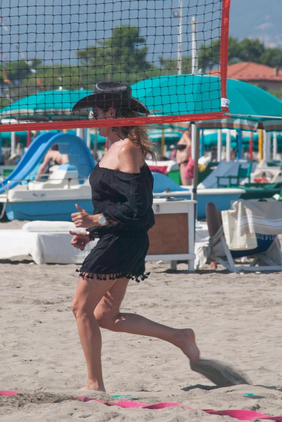 Daniela Santanchè cowgirl in mare sulla moto d'acqua 4