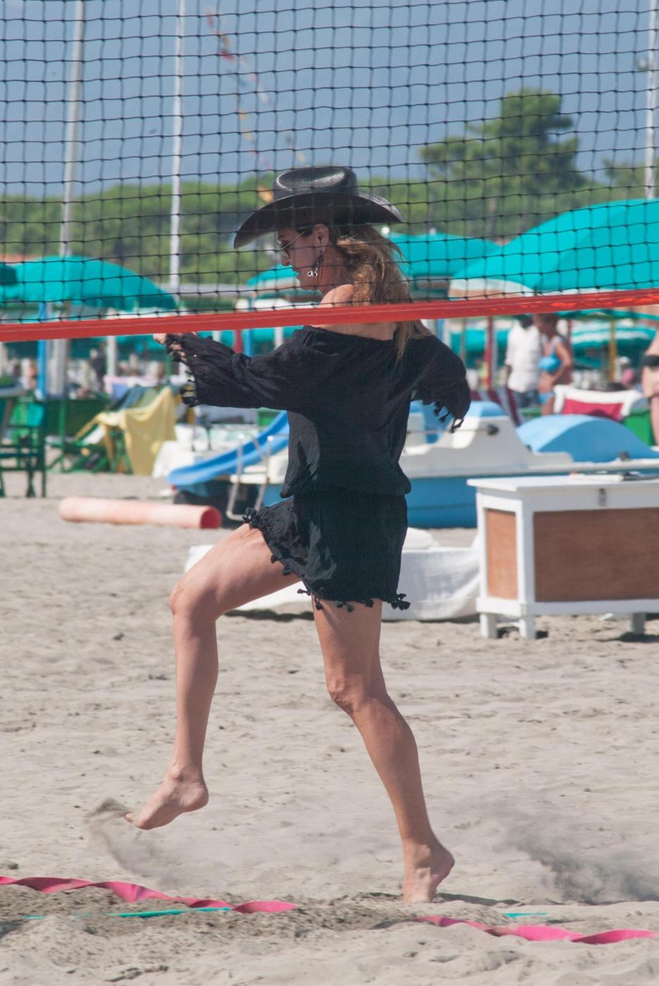 Daniela Santanchè cowgirl in mare sulla moto d'acqua 13
