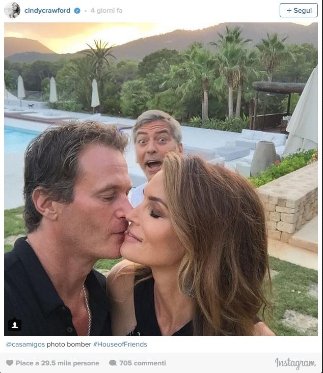 "Bacio tra Crawford e Gerber: George Clooney è il ""rovinafoto""2"