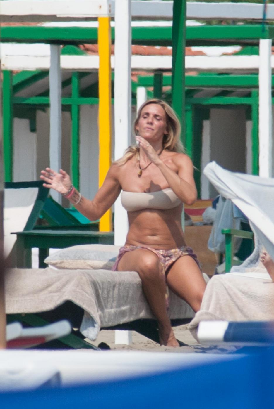 Deborah Roversi, l'ex di Pirlo sfoggia gran forma fisica5