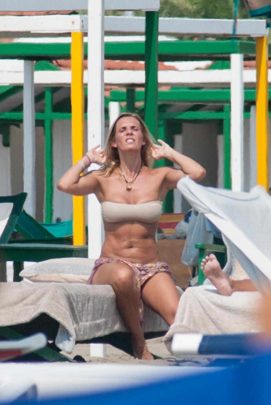Deborah Roversi, l'ex di Pirlo sfoggia gran forma fisica14