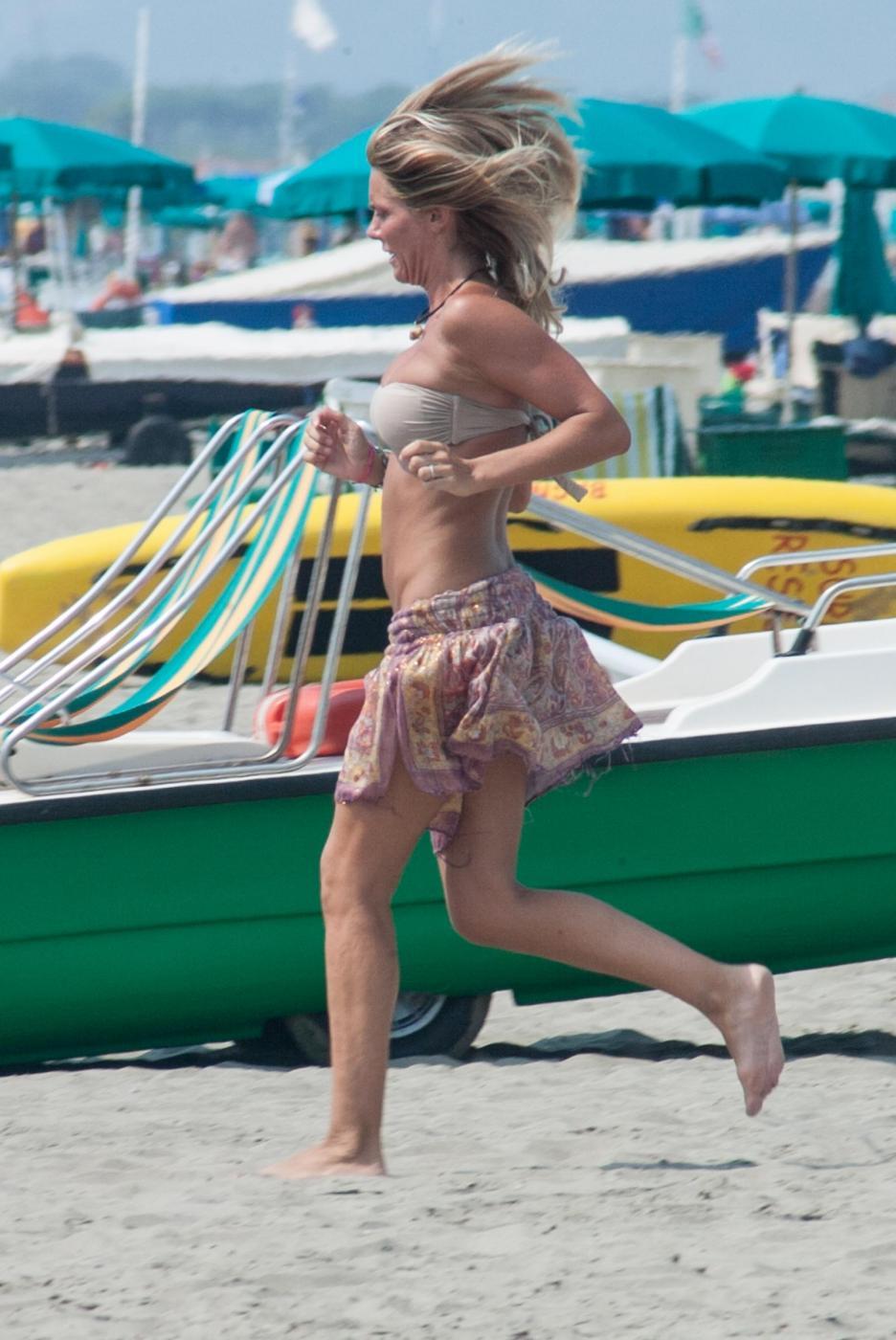 Deborah Roversi, l'ex di Pirlo sfoggia gran forma fisica10