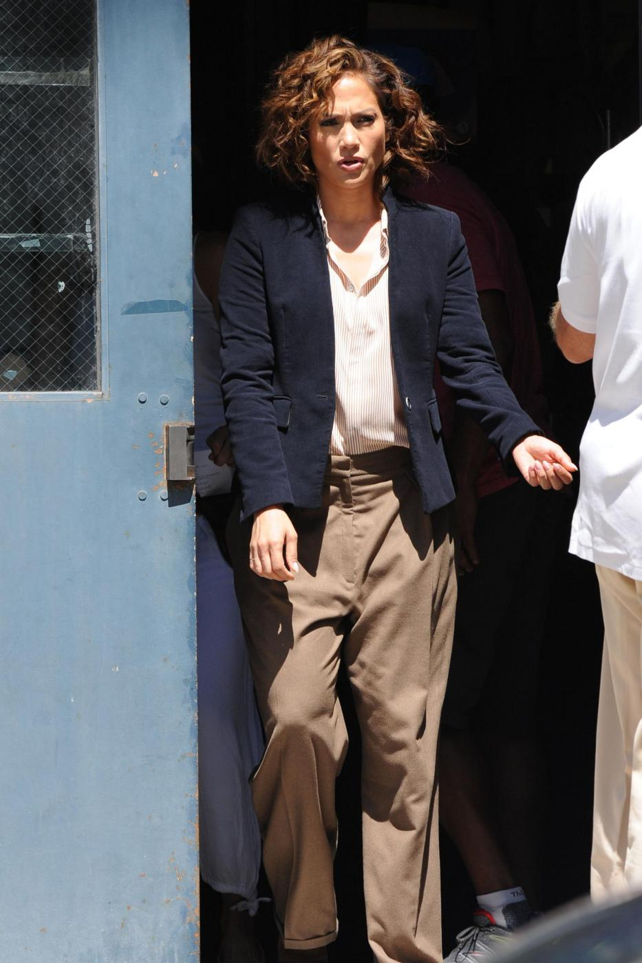 "Jennifer Lopez poliziotta sul set di ""Shades of Blue16"