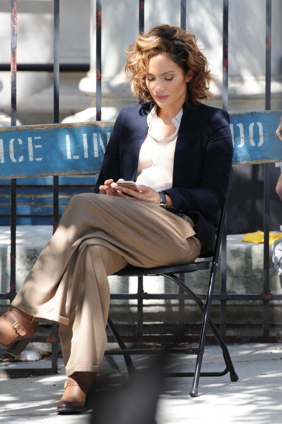 "Jennifer Lopez poliziotta sul set di ""Shades of Blue""4"