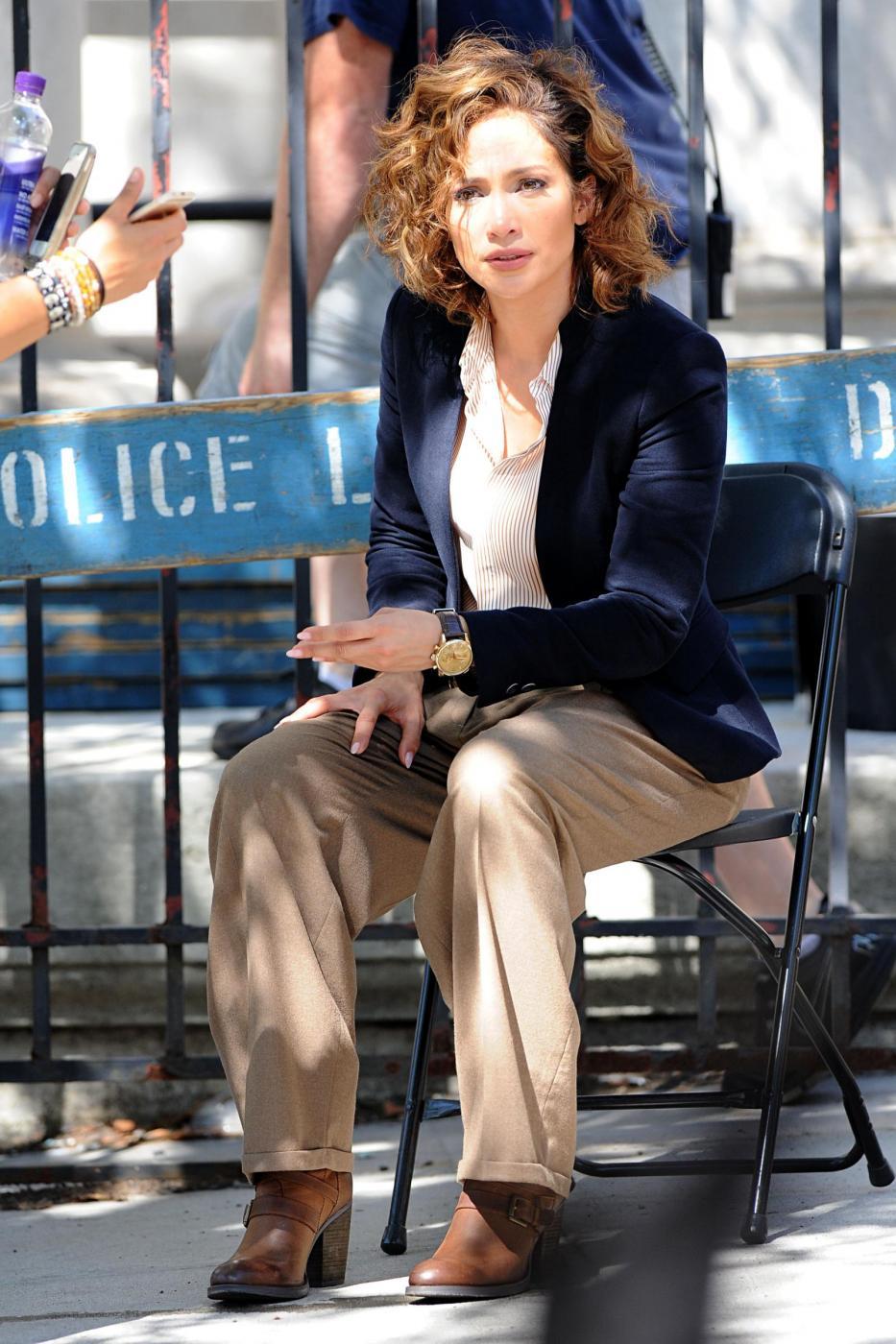 "Jennifer Lopez poliziotta sul set di ""Shades of Blue""3"