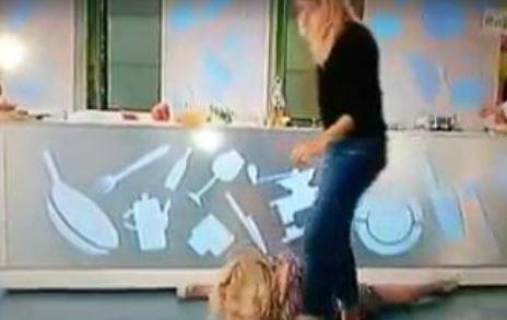 Lisa Fusco, incidente in diretta tv per la showgirl VIDEO
