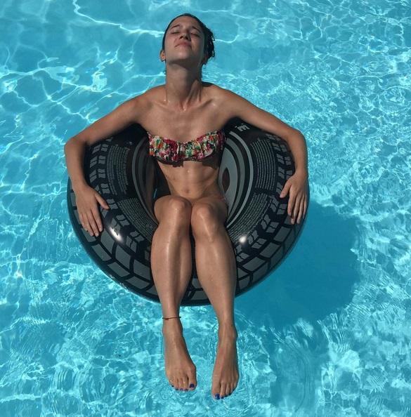 Martina Stoessel-Lodovica Comello (Violetta) bikini: chi vince?