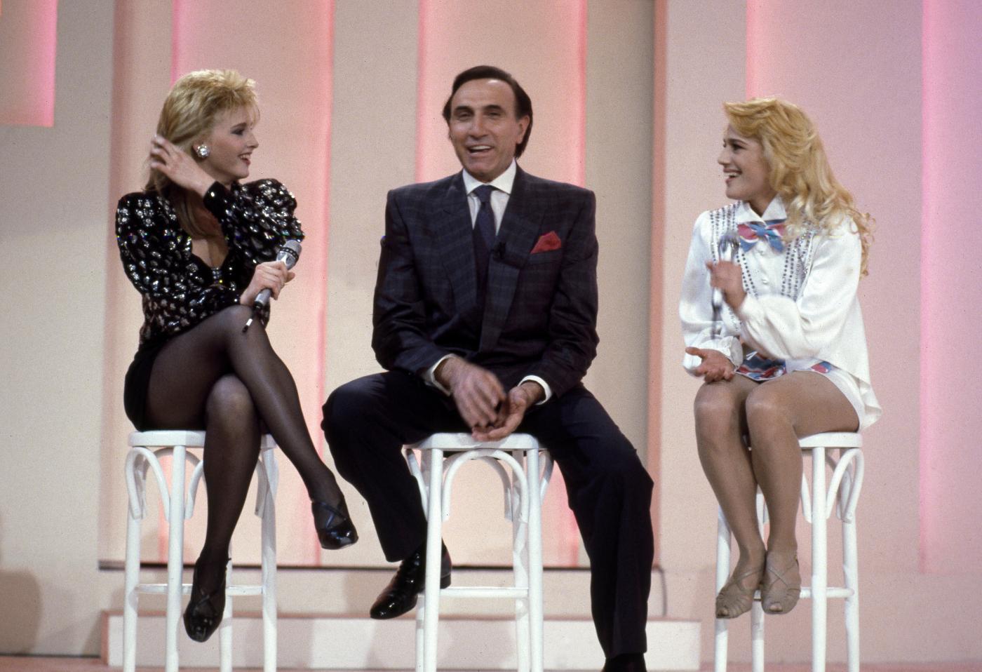 Lorella Cuccarini compie 50 anni: Pippo Baudo la volle a Fantastico2