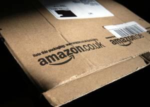 """Amazon, """"Lavorarci è un inferno"""": ecco cosa c'è dietro i pacchi"""