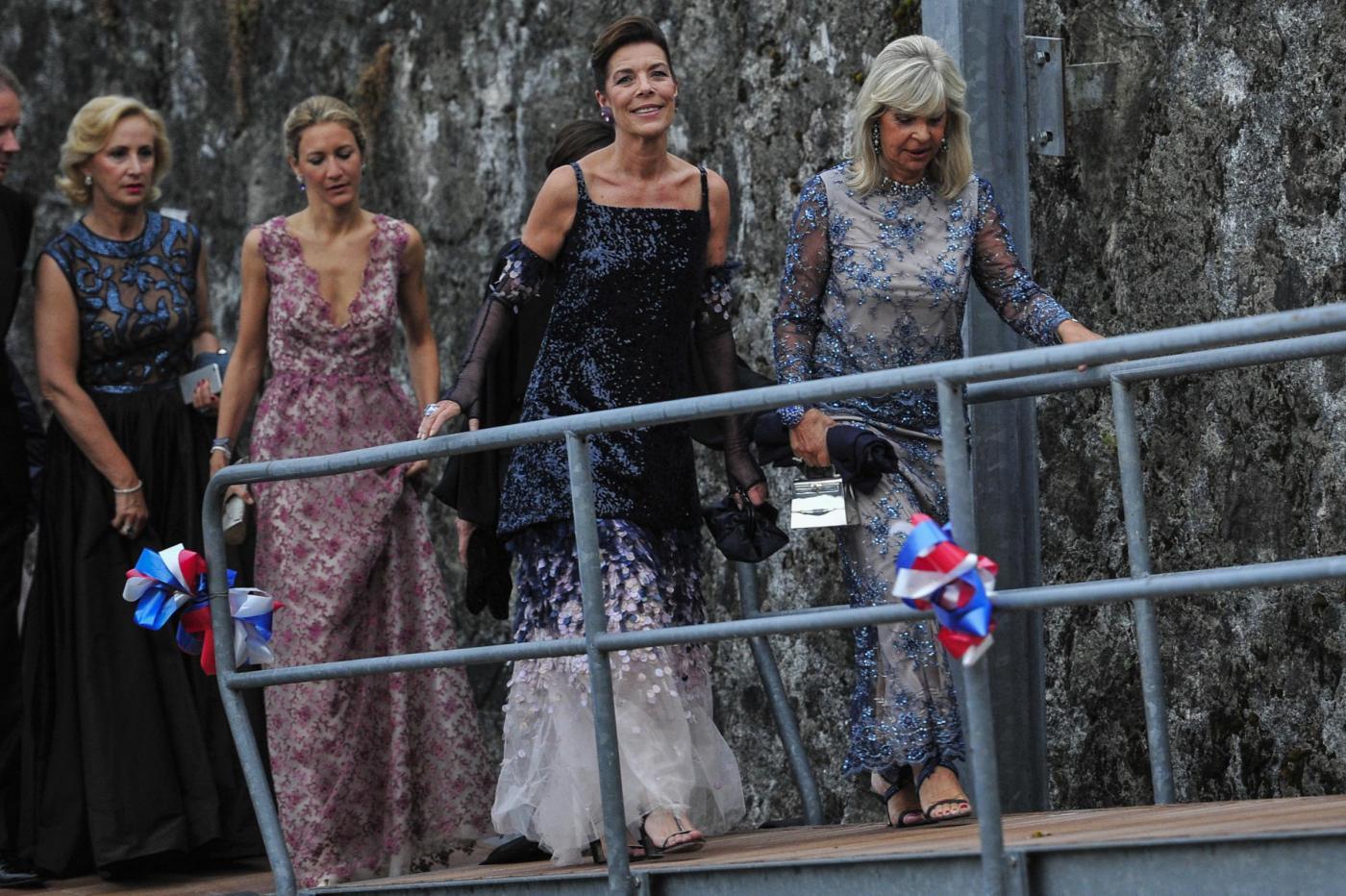 Charlotte Casiraghi e Carolina di Monaco alle nozze di Pierre e Beatrice FOTO 5