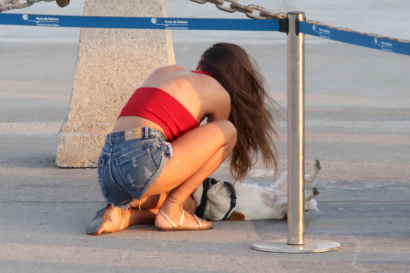 Belen Rodriguez e la sorella Cecilia lasciano Formentera FOTO 14
