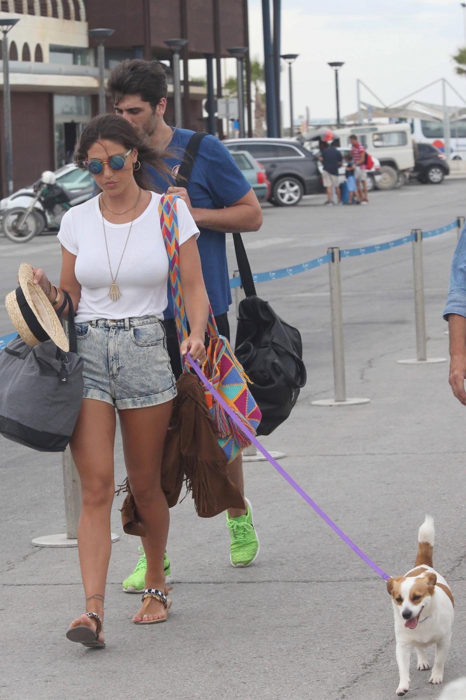 Belen Rodriguez e la sorella Cecilia lasciano Formentera FOTO 29