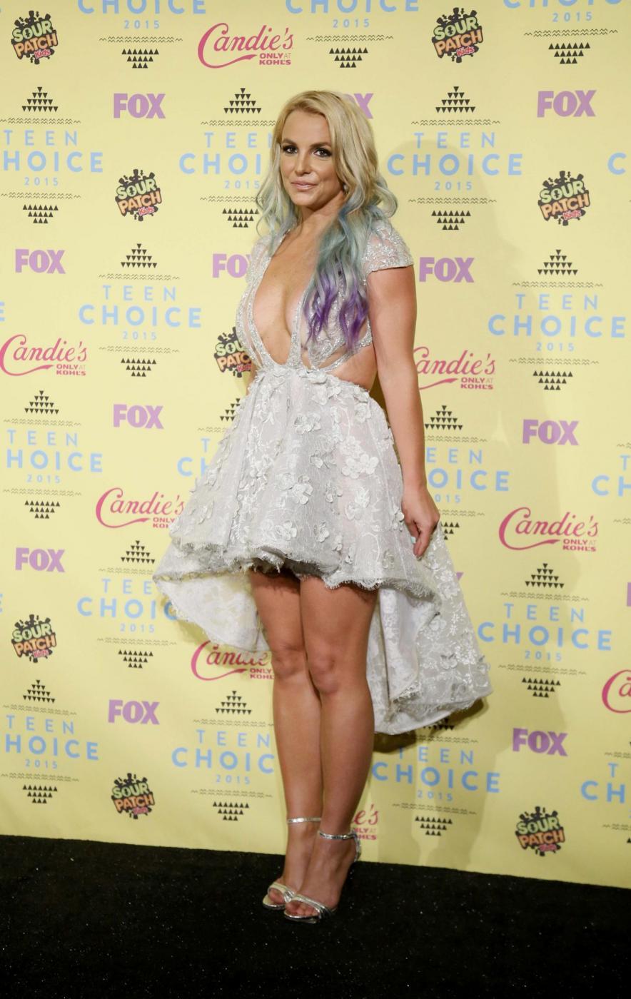 Britney Spears, abito scollato ai Teen Choice Awards 5