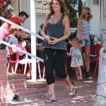 Elisabetta Canalis, pranzo a Hollywood con gli amici 3