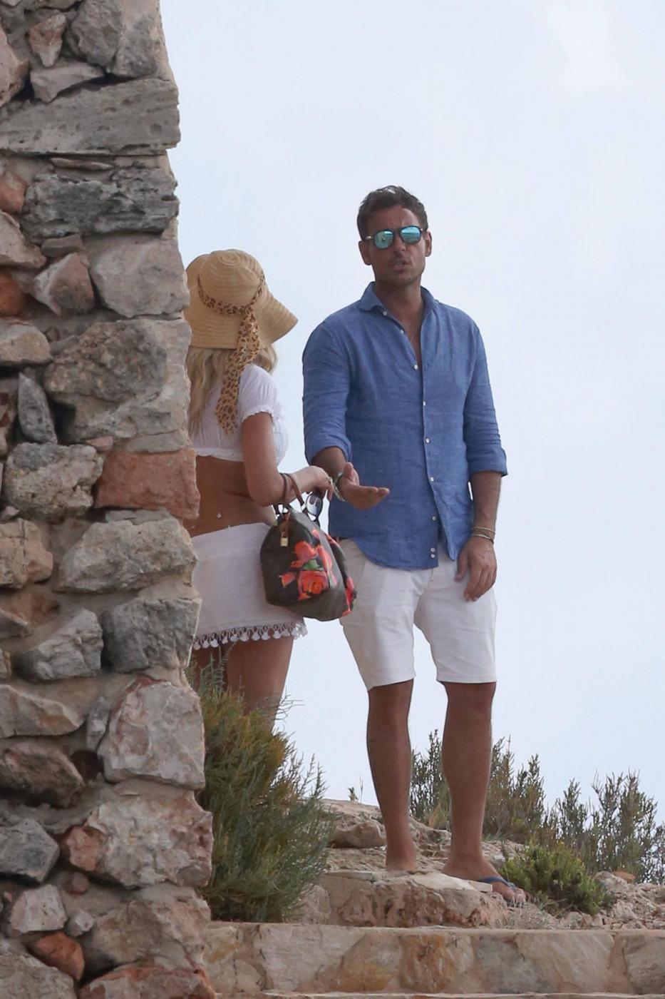 Valeria Marini a Formentera col fidanzato Antonio Brosio 8
