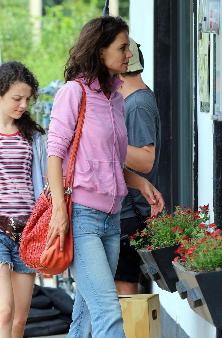 """Katie Holmes irriconoscibile sul set del film """"All We had"""" 3"""