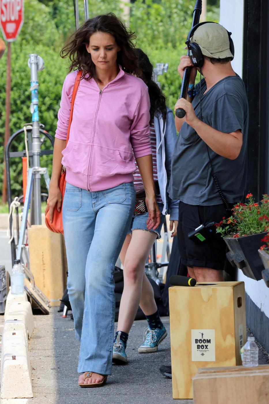 """Katie Holmes irriconoscibile sul set del film """"All We had"""" 4"""