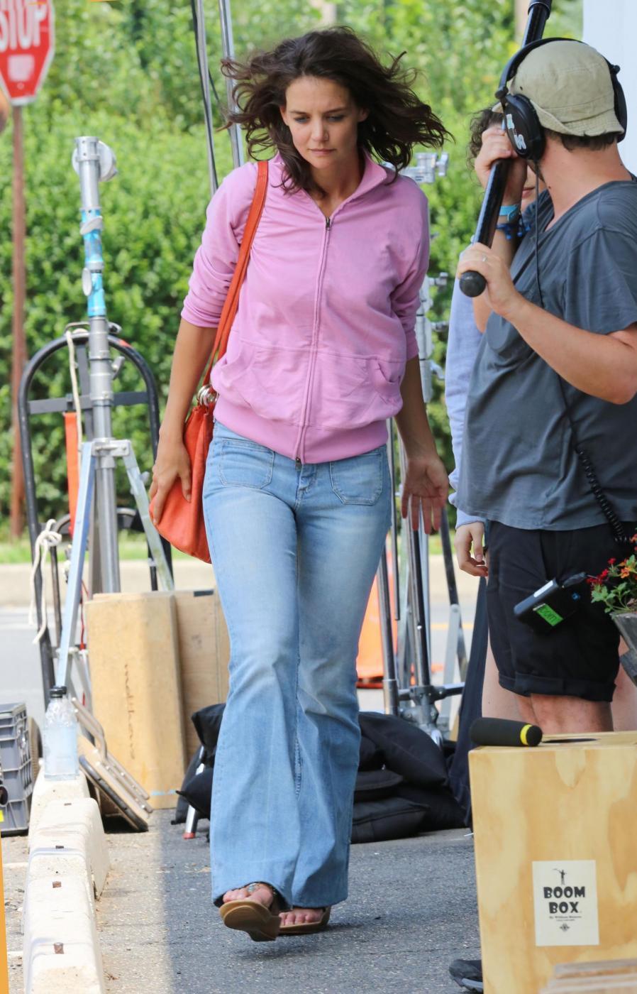 """Katie Holmes irriconoscibile sul set del film """"All We had"""" 6"""