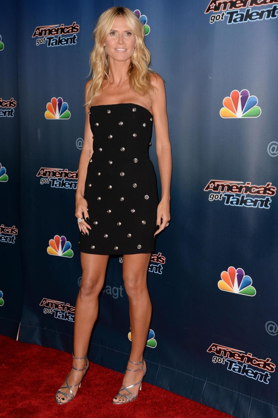 Heidi Klum, mini abito e tacchi per America's Got Talent 5