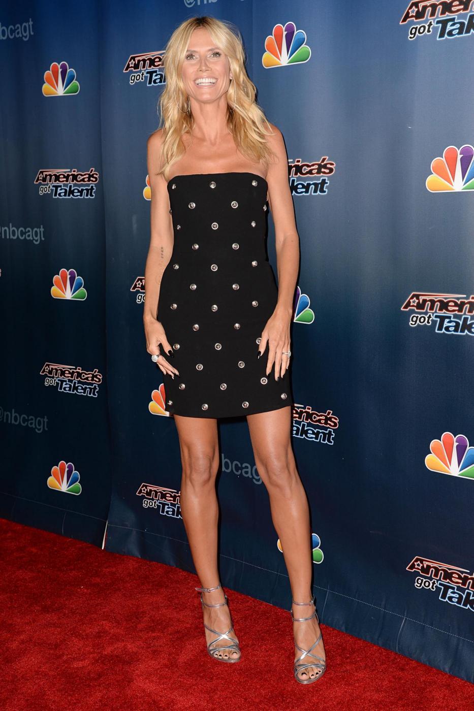 Heidi Klum, mini abito e tacchi per America's Got Talent 6