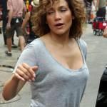 """Jennifer Lopez struccata con capelli corti per """"Shades of Blue"""" 10"""