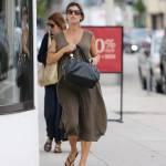 Elisabetta Canalis, shopping col pancione ad un anno dal matrimonio12