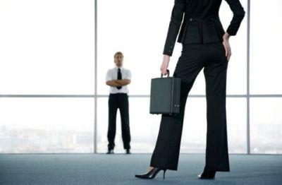 Donne in carriera: troppo fa male. Ecco cosa rischiano