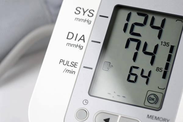 Ipertensione, pressione sotto i 120 riduce tutti i rischi