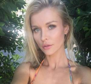 Joanna Krupa, modella gioca a basket in topless FOTO