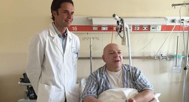 Platinette in ospedale ricoverato per un intervento