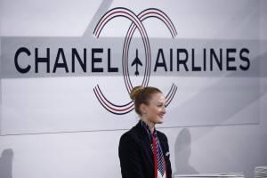 """Chanel prende il """"volo"""": sfilata si trasforma in aeroporto FOTO8"""