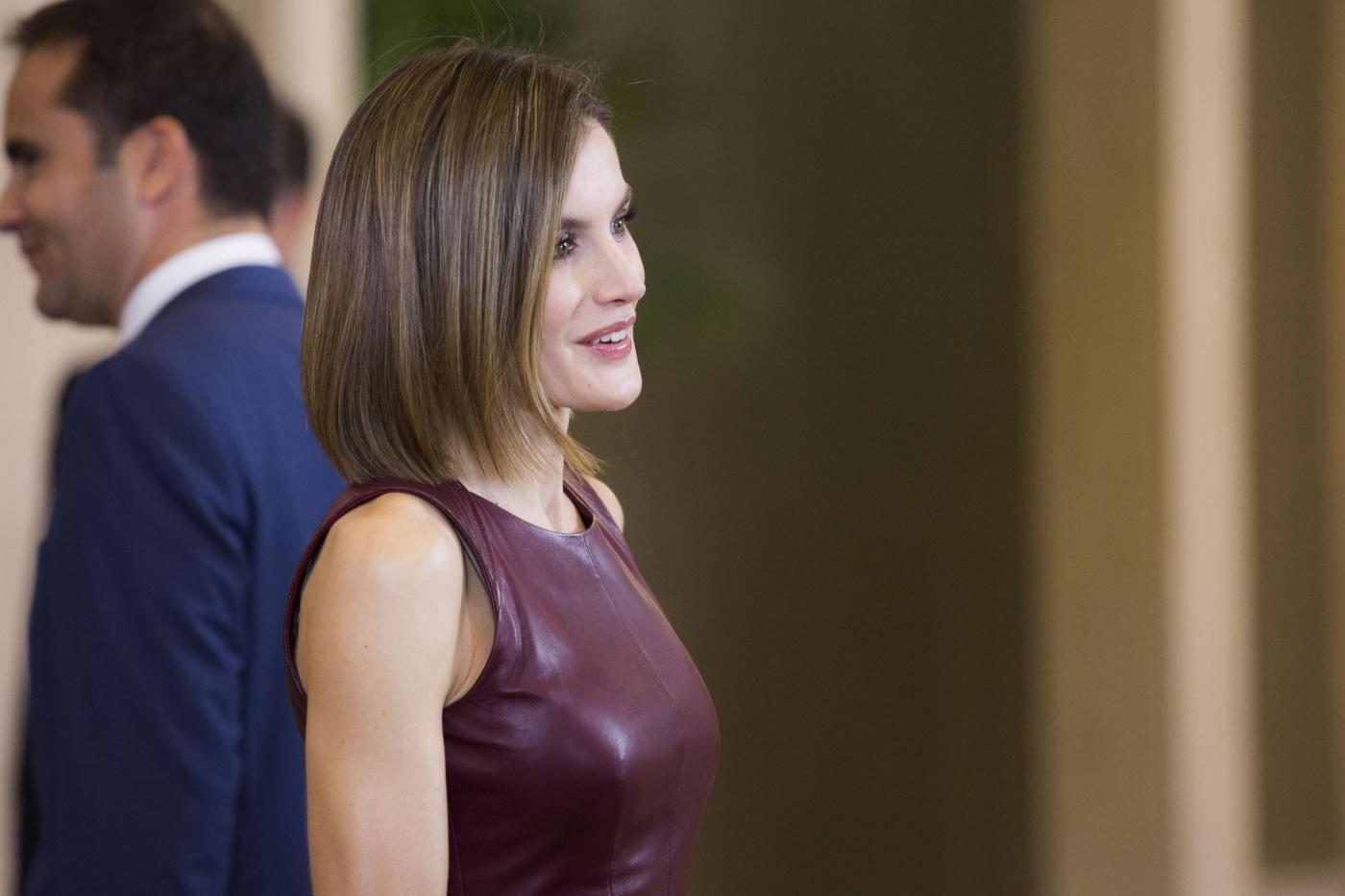 Letizia Ortiz, Melissa Satta: caschetto al top FOTO