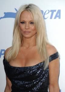 Pamela Anderson animalista, festeggia i 35 anni della Peta7