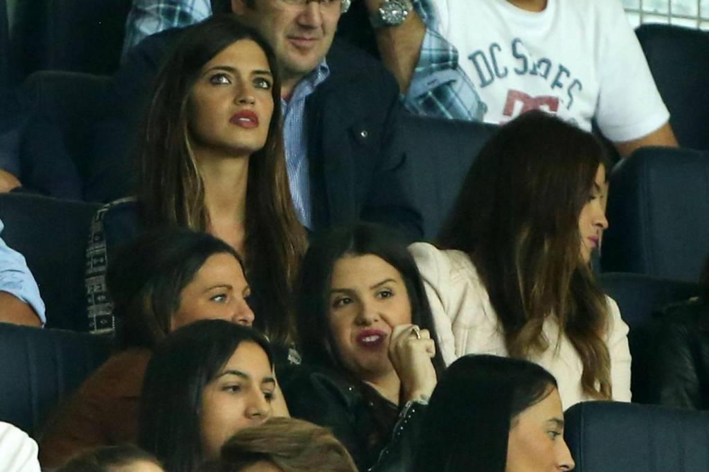Sara Carbonero sexy wag: allo stadio per il suo Casillas8