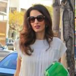Amal Alamuddin Clooney: vestito bianco e sandali con tacco FOTO 11