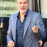 Amal Alamuddin Clooney: vestito bianco e sandali con tacco FOTO 12