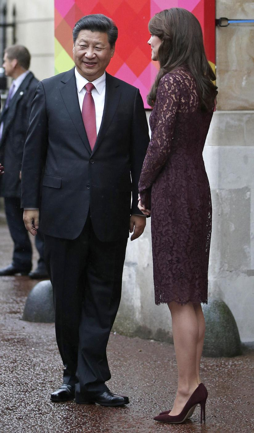 Kate Middleton, Monica Bellucci: dive in Dolce e Gabbana FOTO x