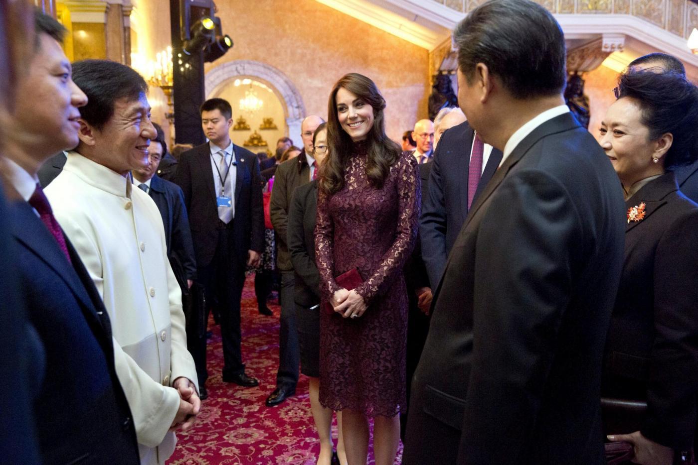 Kate Middleton, Monica Bellucci: dive in Dolce e Gabbana FOTO s