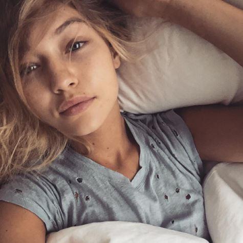 Gigi Hadid, selfie struccata su Instagram FOTO