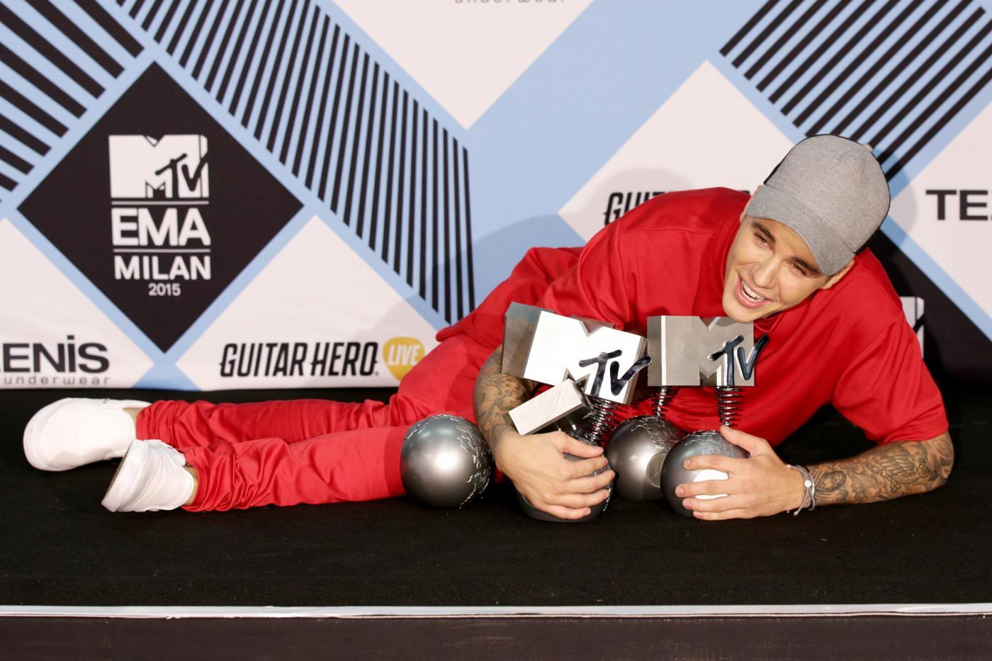 Justin Bieber a Milano per gli MTV Europe Music Awards FOTO 11