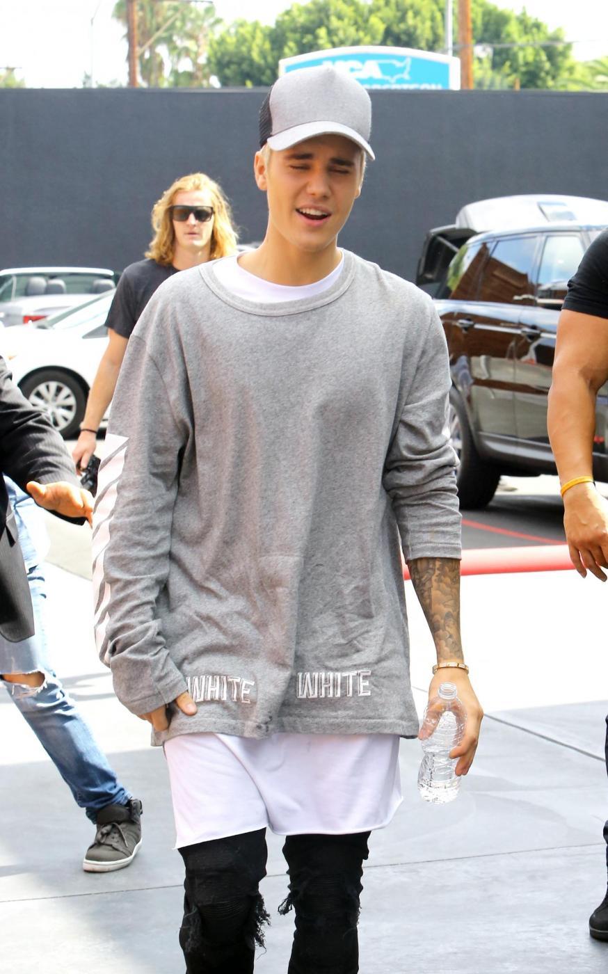 Justin Bieber e James Corden insieme a Los Angeles FOTO 1