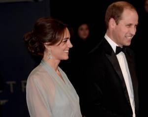 Kate Middleton alla prima di Spectre: abito firmato Jenny Packham jkl