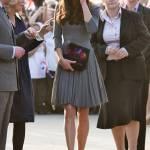 Kate Middleton ricicla l'abito: stesso modello del 2012 FOTO